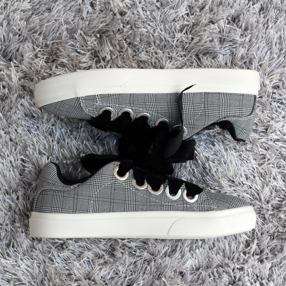 primark-chequered-bw-sneakers-with-velvet-laces